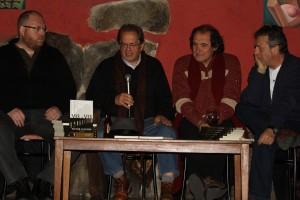 Presentando Vis a vis en Collado Mediano, en El Abrevadero. Arropado por David Panadero, Alfons Cervera y Juan Cabrera
